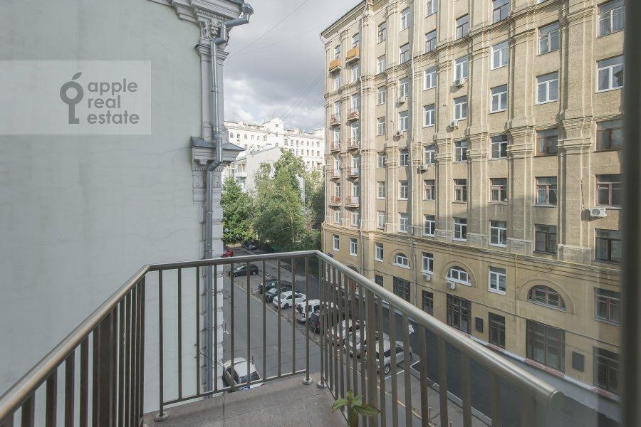 Balcony / Terrace / Loggia of the 4-room apartment at Bryusov pereulok 19