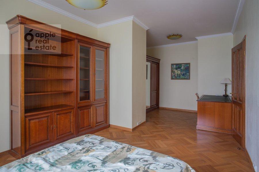 Bedroom of the 4-room apartment at 3-ya Tverskaya-Yamskaya ulitsa 44