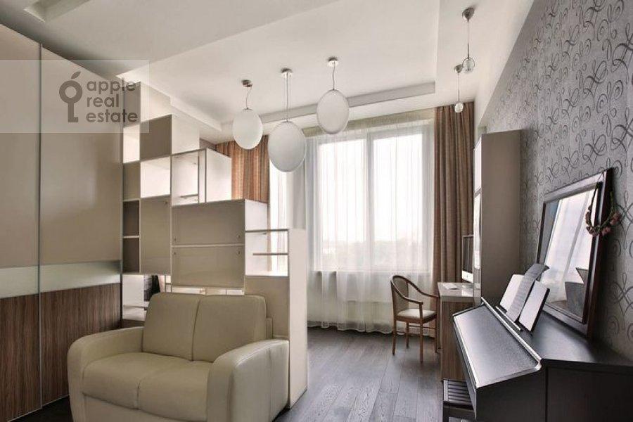 4-комнатная квартира по адресу Тихвинская ул. 39