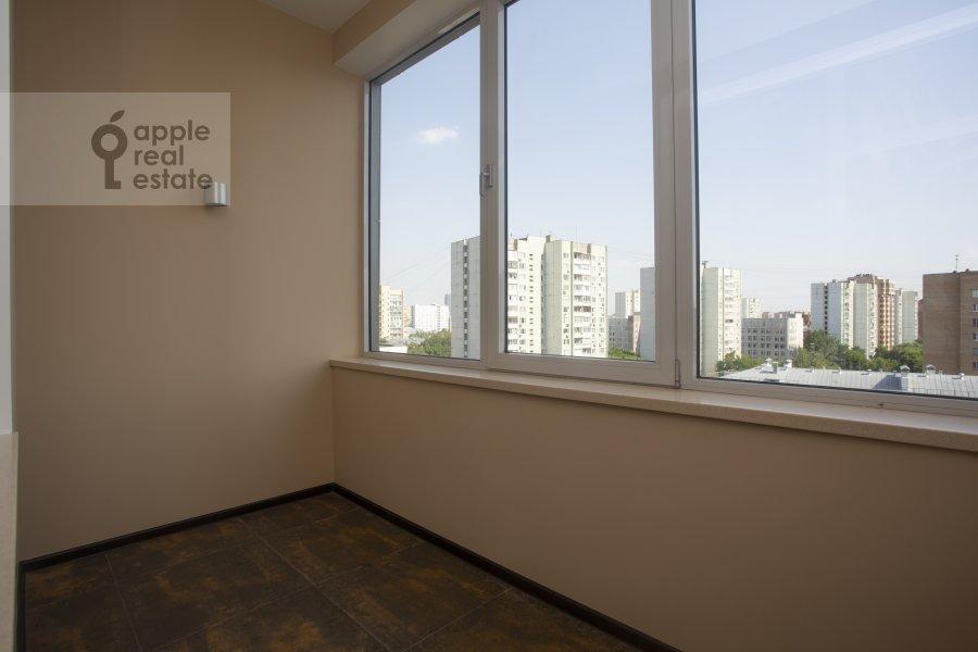 Балкон / Терраса / Лоджия в 4-комнатной квартире по адресу Тихвинская ул. 39