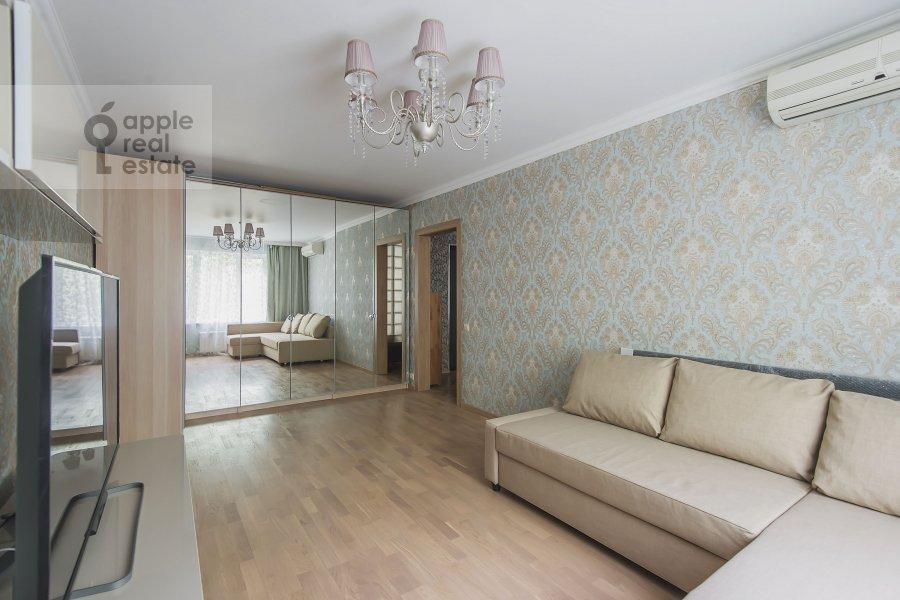 Гостиная в 2-комнатной квартире по адресу Академика Варги 2