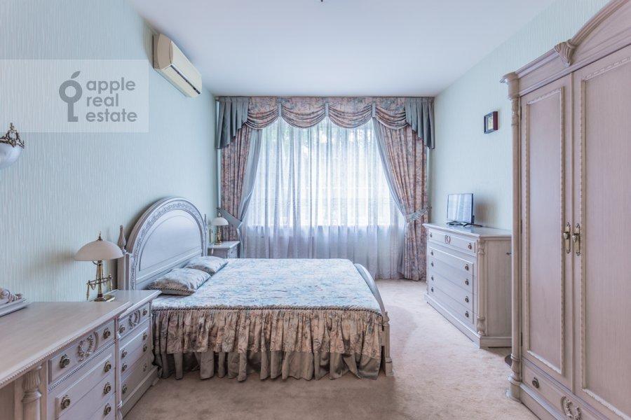 Bedroom of the 3-room apartment at Molodogvardeyskaya ulitsa 4k1