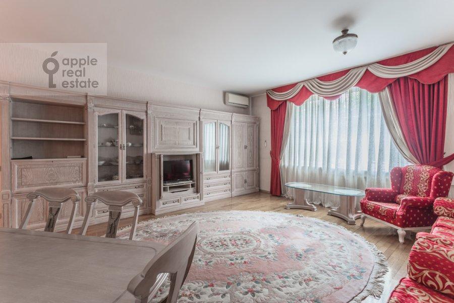 Living room of the 3-room apartment at Molodogvardeyskaya ulitsa 4k1