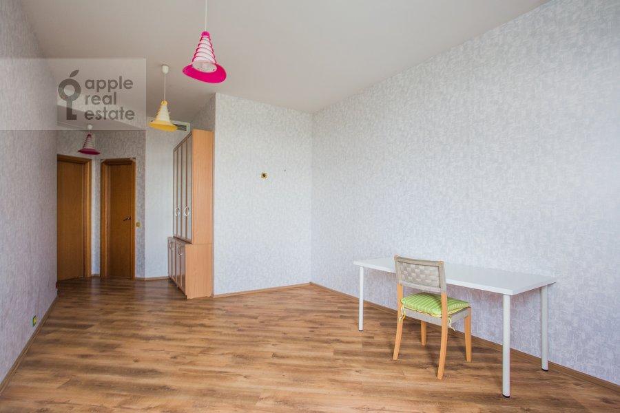 Children's room / Cabinet of the 4-room apartment at Aviatsionnaya ulitsa 79V
