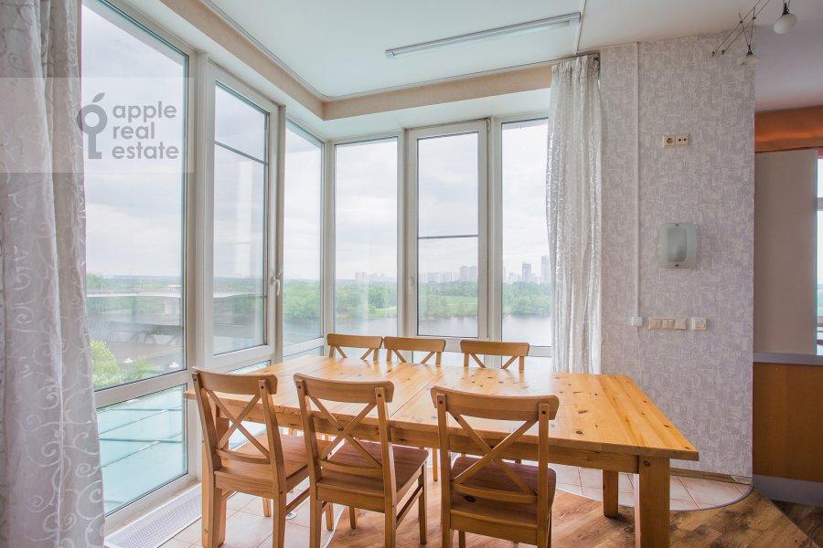 Living room of the 4-room apartment at Aviatsionnaya ulitsa 79V