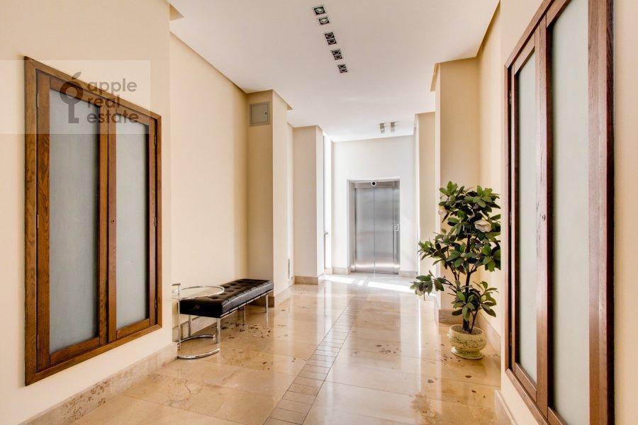 Corridor of the 5-room apartment at Zhukovka-1 14