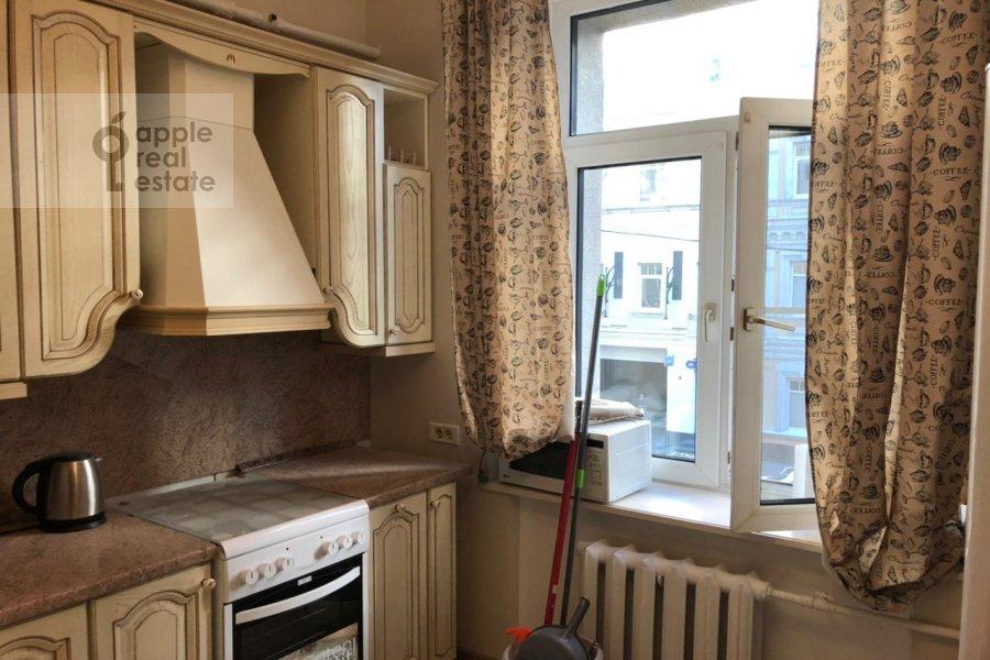 Кухня в 4-комнатной квартире по адресу Гашека 9
