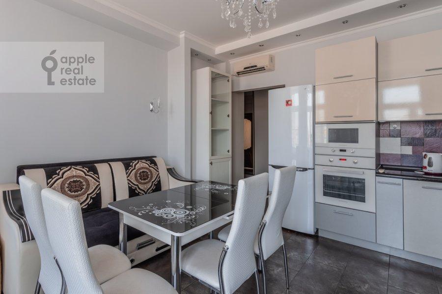 Кухня в 3-комнатной квартире по адресу Тверская улица 4