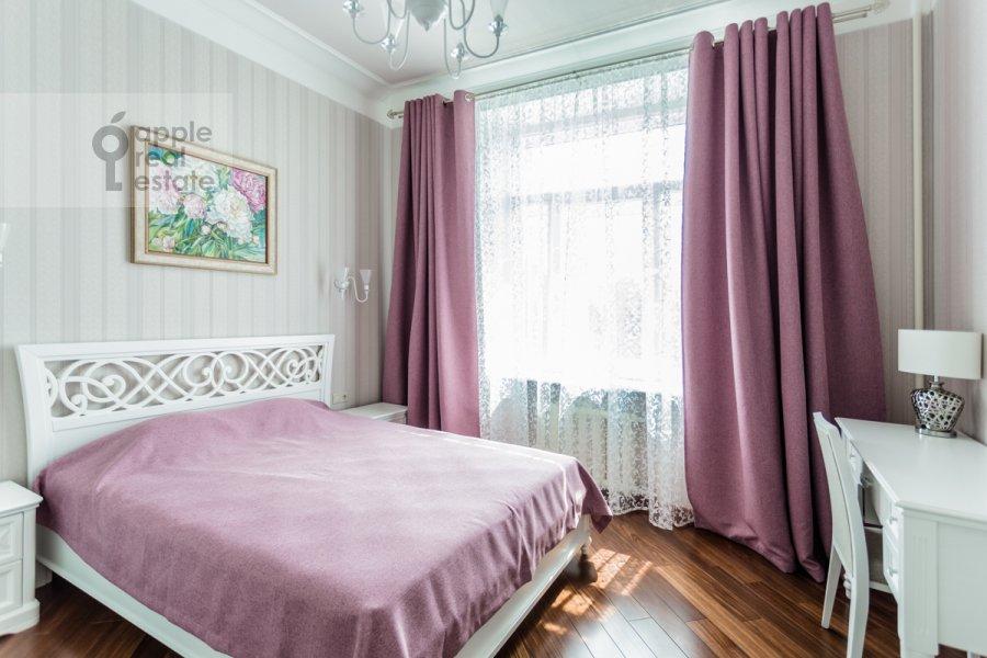 Спальня в 3-комнатной квартире по адресу Крымский Вал 8