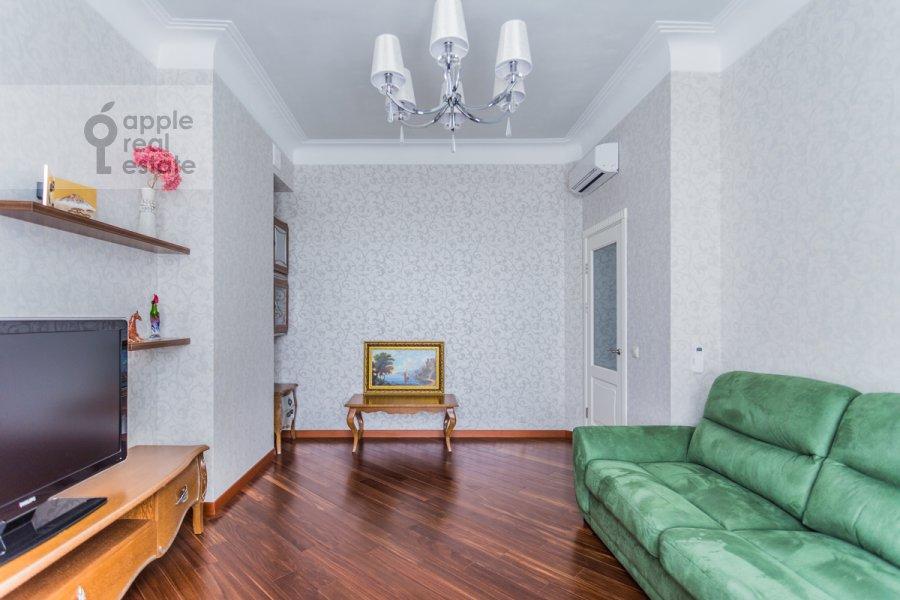 Кухня в 3-комнатной квартире по адресу Крымский Вал 8