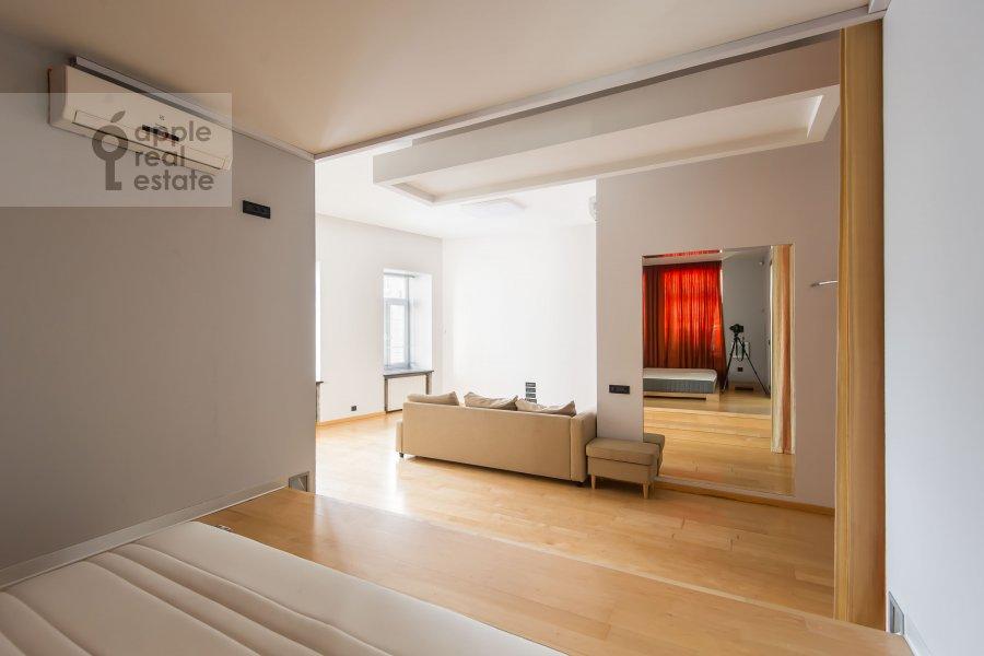 Bedroom of the 2-room apartment at Podkopaevskiy pereulok 8/13/5