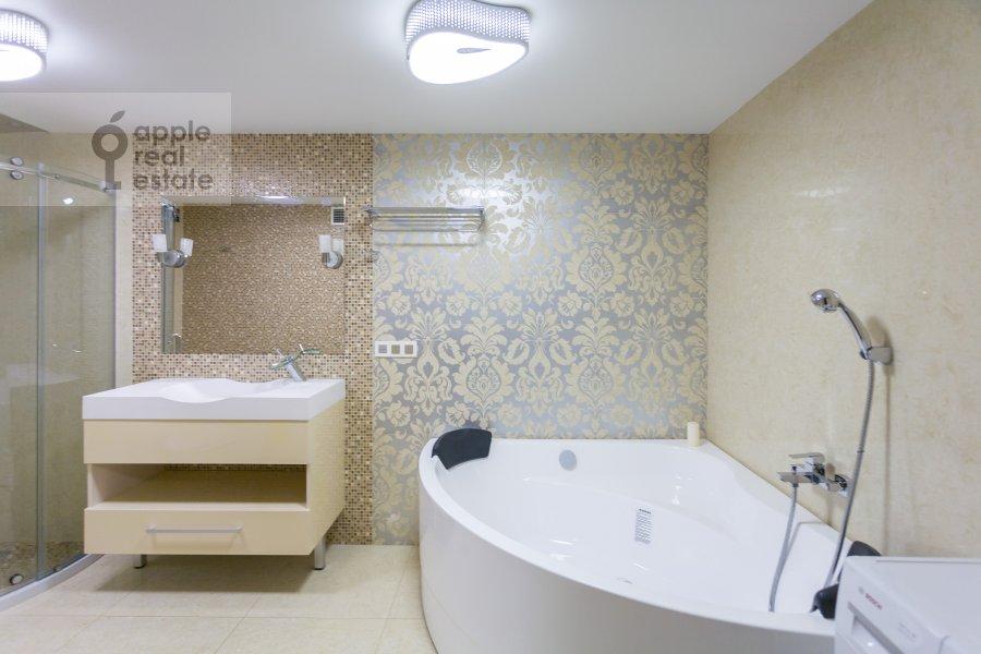 Санузел в 2-комнатной квартире по адресу Чапаевский пер. 3