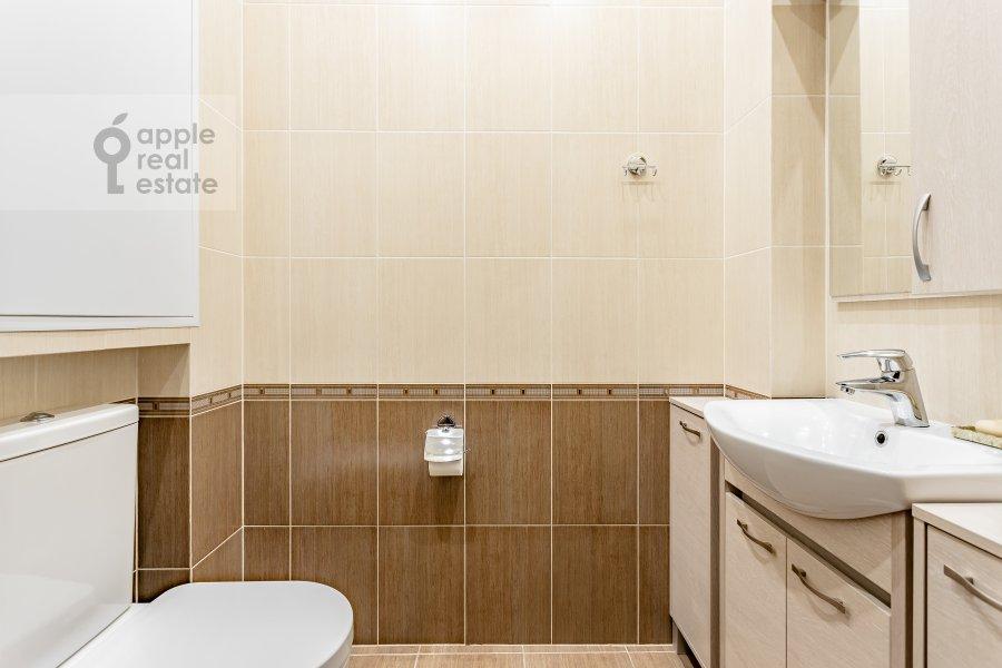 Санузел в 4-комнатной квартире по адресу Удальцова 69