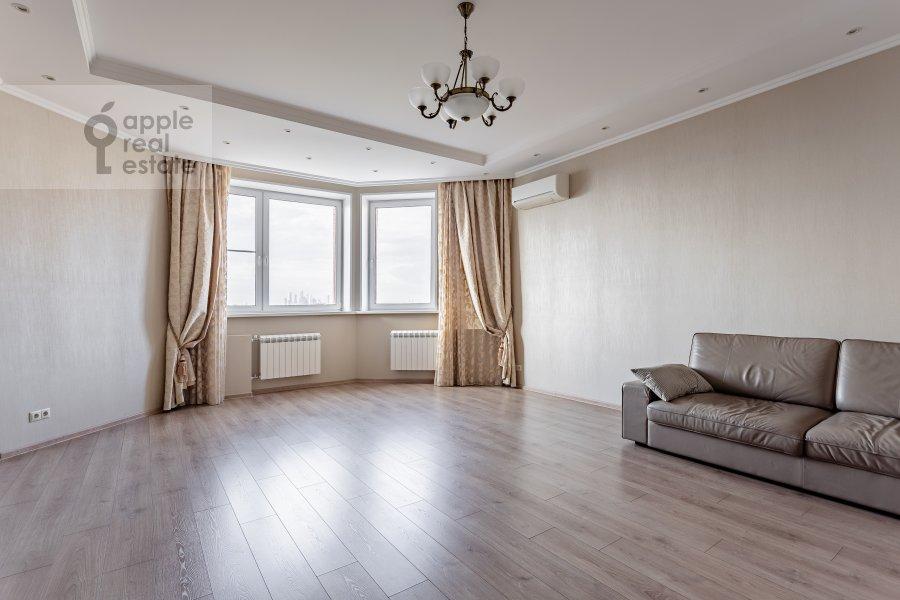 Гостиная в 4-комнатной квартире по адресу Удальцова 69
