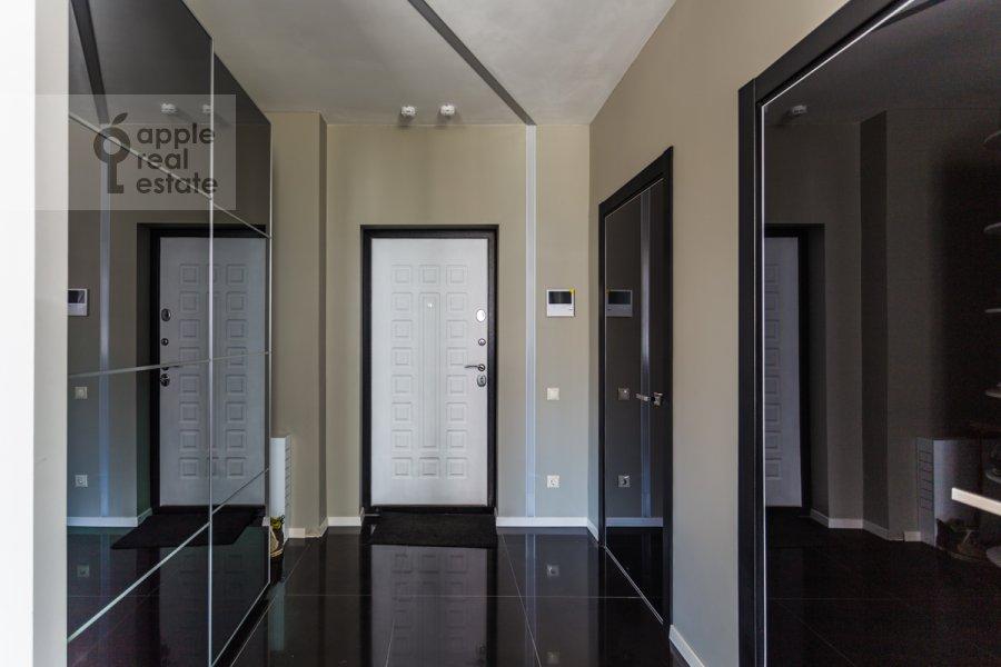 Corridor of the studio apartment at Mosfil'movskaya ulitsa 88k2s7