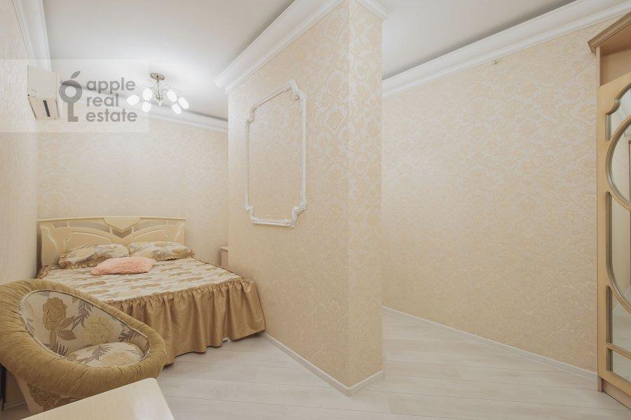 Bedroom of the 3-room apartment at Khoroshevskoe shosse 12s1