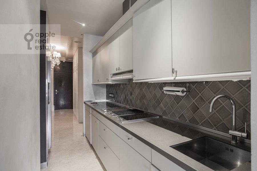 Kitchen of the 4-room apartment at Savvinskaya nab. 9