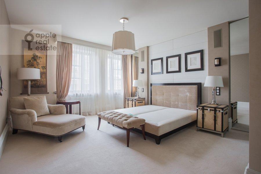 Bedroom of the 4-room apartment at Savvinskaya nab. 9