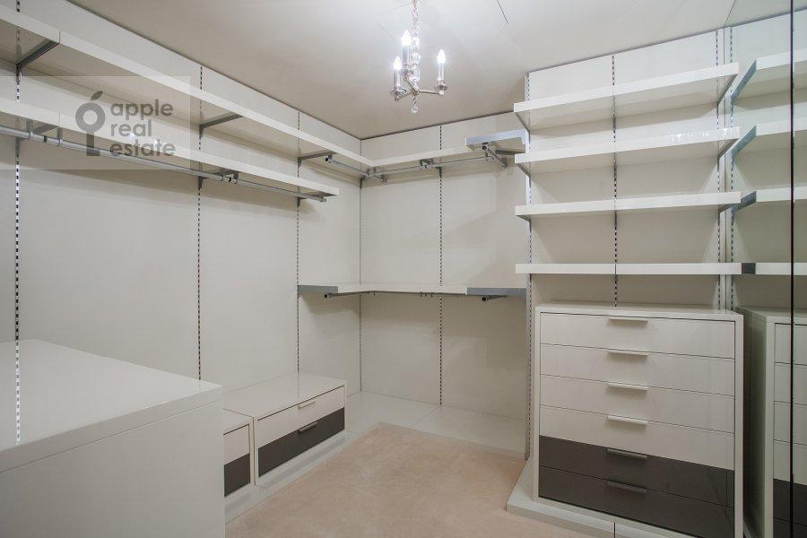 Walk-in closet / Laundry room / Storage room of the 4-room apartment at Savvinskaya nab. 9