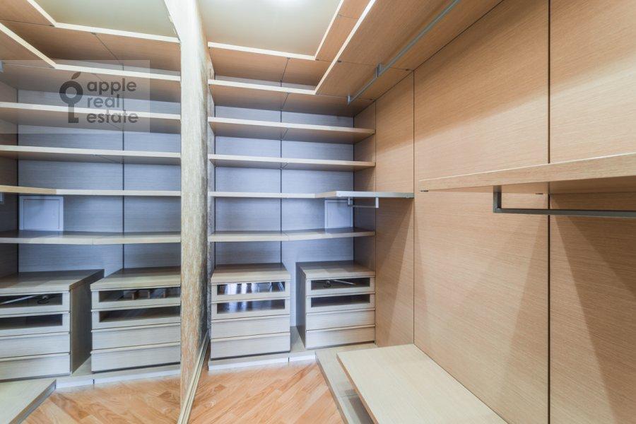 Walk-in closet / Laundry room / Storage room of the 4-room apartment at Leninskiy prospekt 106k1