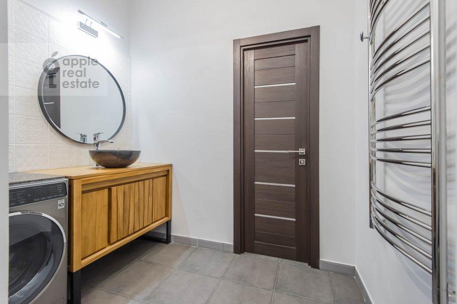 Санузел в квартире-студии по адресу 2-я Черногрязская улица 6к3