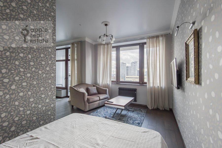 Спальня в квартире-студии по адресу 2-я Черногрязская улица 6к3
