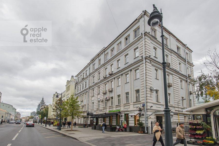 Фото дома 4-комнатной квартиры по адресу Малая Дмитровка 4