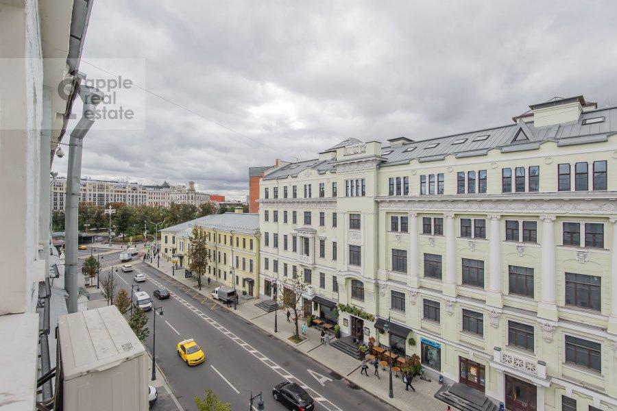 Вид из окна в 4-комнатной квартире по адресу Малая Дмитровка 4