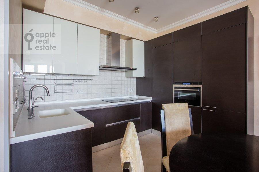 Кухня в 4-комнатной квартире по адресу Филевский бульвар 24к3