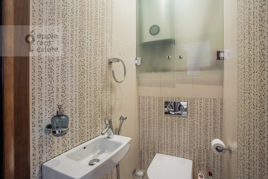 Санузел в 4-комнатной квартире по адресу Филевский бульвар 24к3