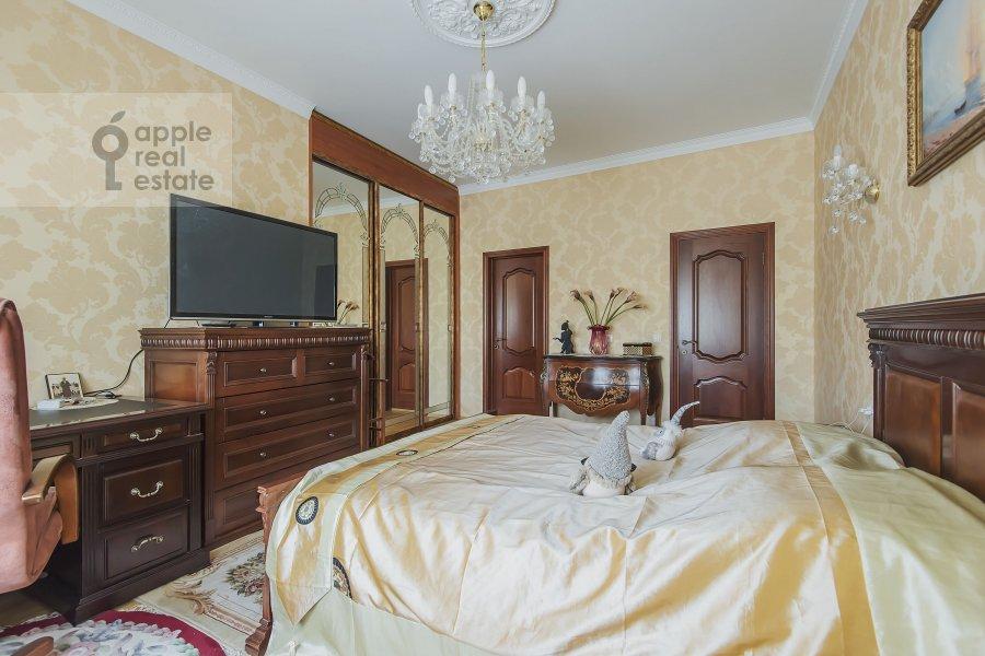 Bedroom of the 4-room apartment at Marshala Sokolovskogo 5
