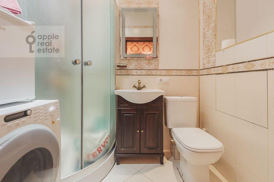 Bathroom of the 4-room apartment at Marshala Sokolovskogo 5