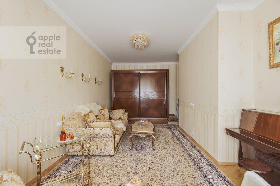 Children's room / Cabinet of the 4-room apartment at Marshala Sokolovskogo 5