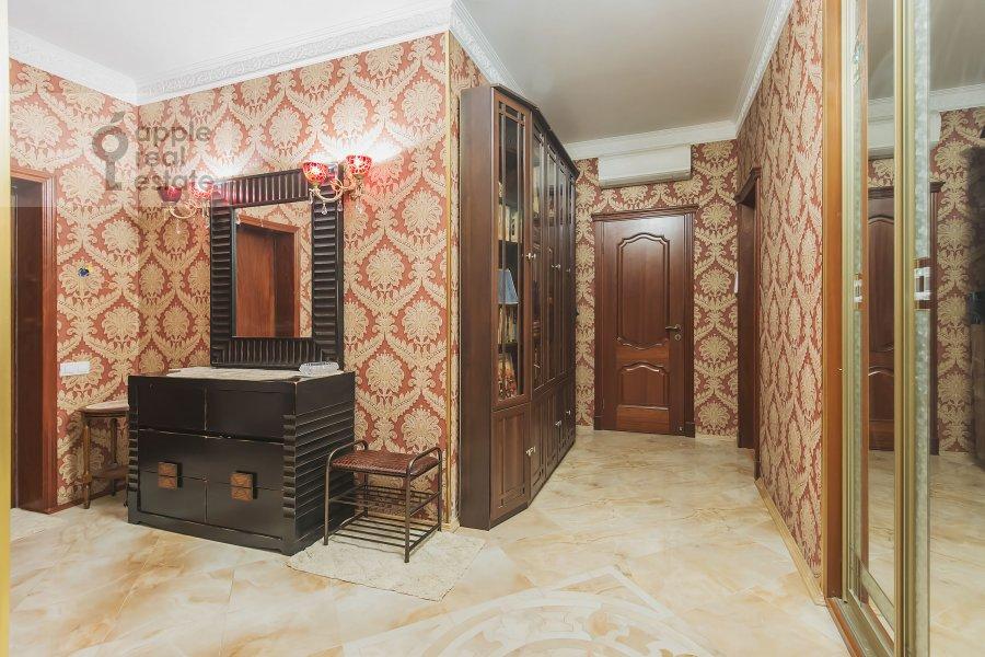 Corridor of the 4-room apartment at Marshala Sokolovskogo 5