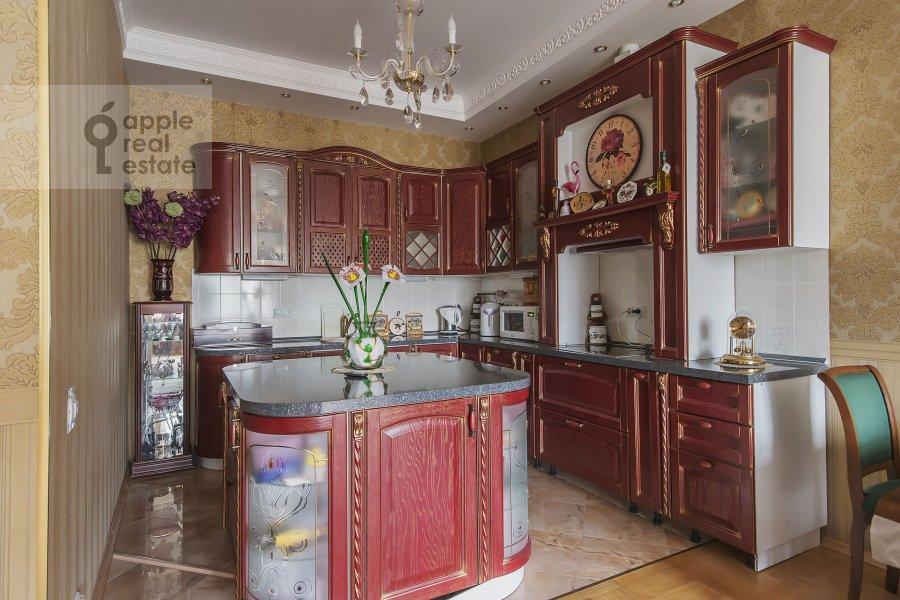 Kitchen of the 4-room apartment at Marshala Sokolovskogo 5