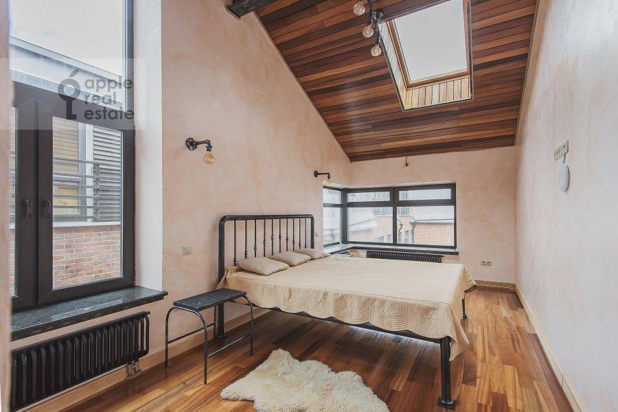 Спальня в 5-комнатной квартире по адресу проезд Аэропорта 8