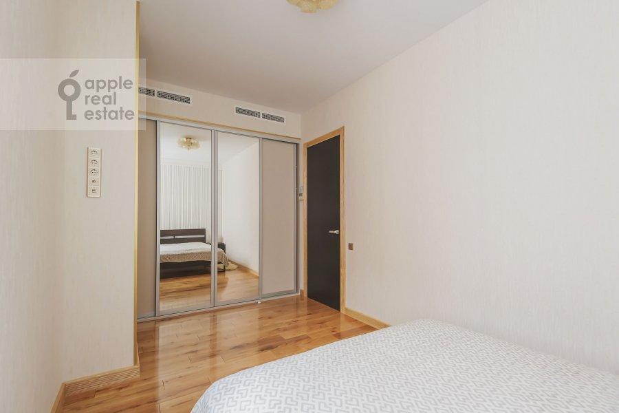 Детская комната / Кабинет в 5-комнатной квартире по адресу проезд Аэропорта 8