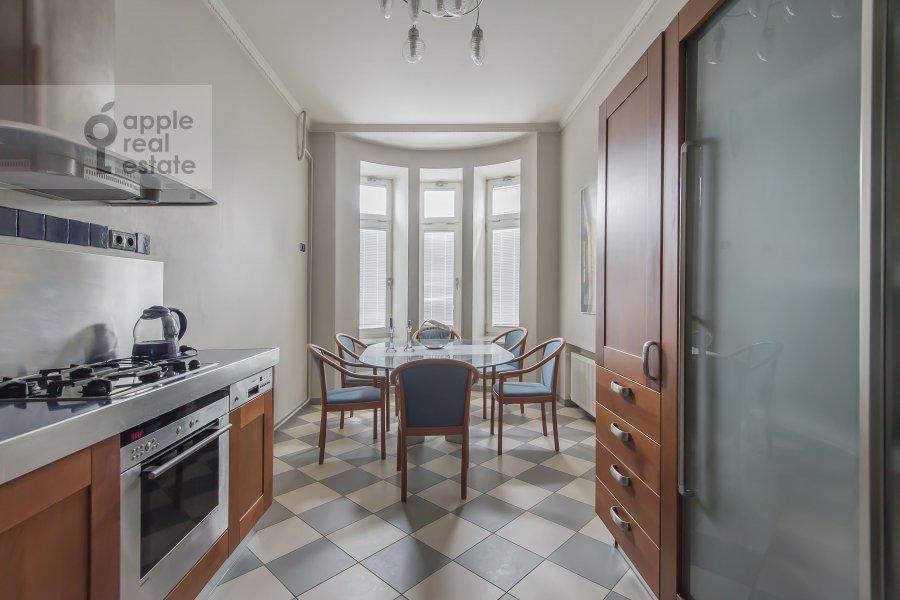 Кухня в 3-комнатной квартире по адресу Щепкина 25/20