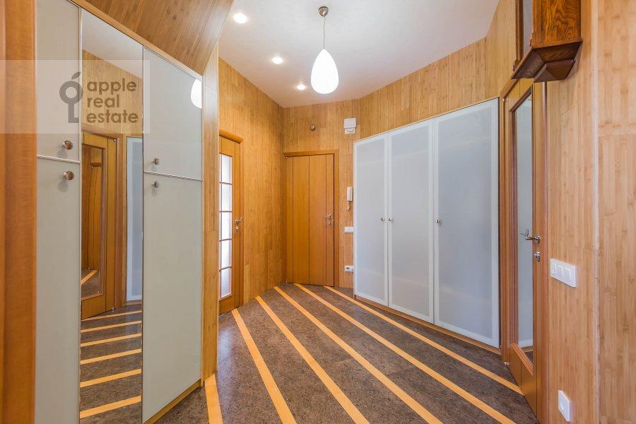 Corridor of the 5-room apartment at Krivoarbatskiy pereulok 12