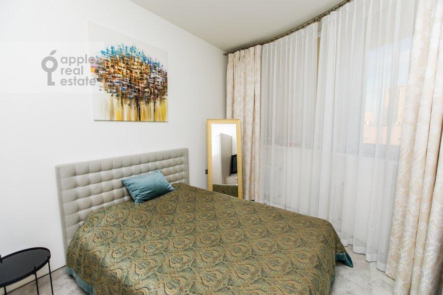 Bedroom of the 6-room apartment at Karamyshevskaya nab. 62k1