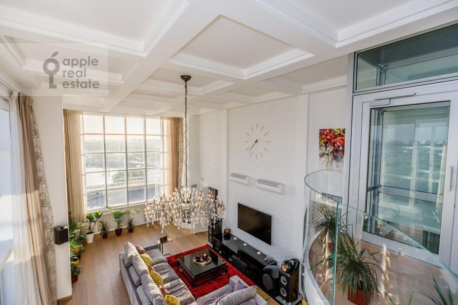 Living room of the 6-room apartment at Karamyshevskaya nab. 62k1