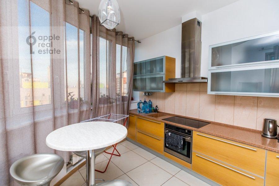 Kitchen of the 6-room apartment at Karamyshevskaya nab. 62k1