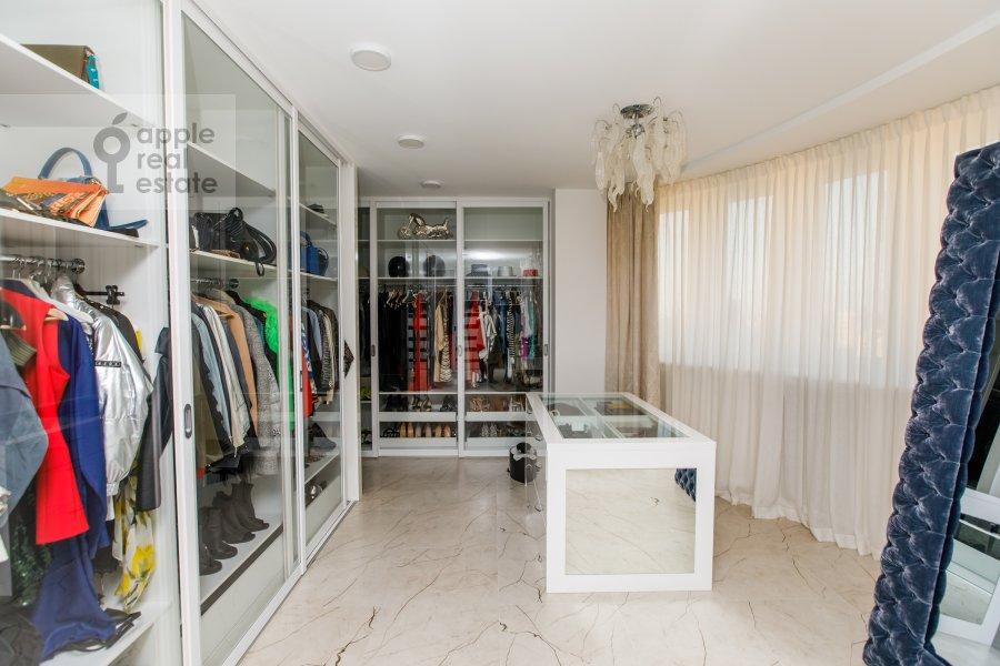 Walk-in closet / Laundry room / Storage room of the 6-room apartment at Karamyshevskaya nab. 62k1