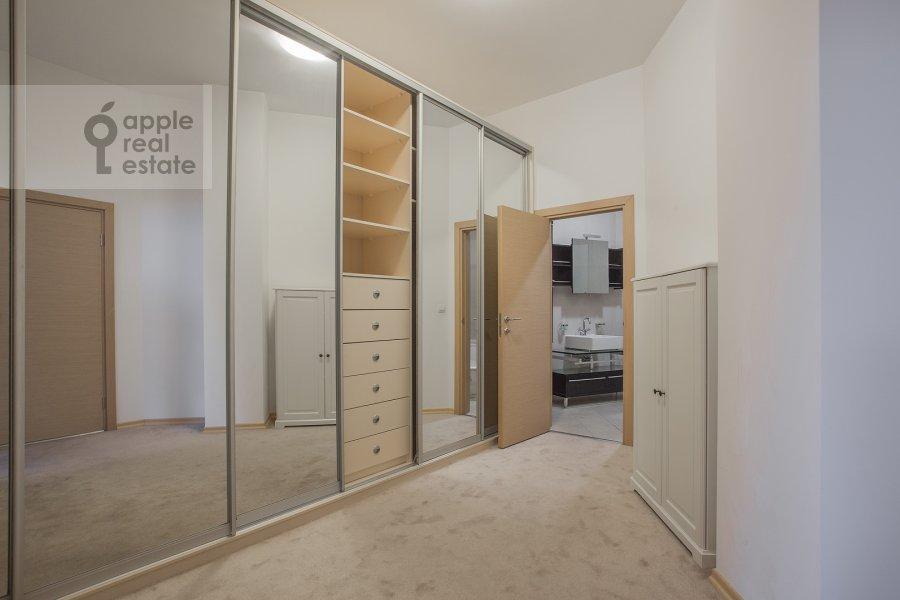 Walk-in closet / Laundry room / Storage room of the 4-room apartment at Tsvetnoy bul'var 16\1