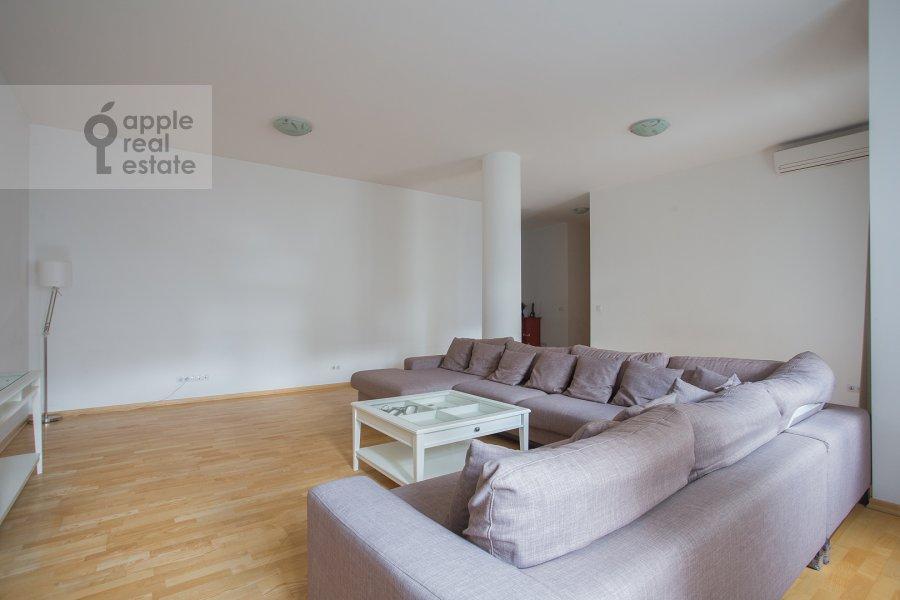 Living room of the 4-room apartment at Tsvetnoy bul'var 16\1