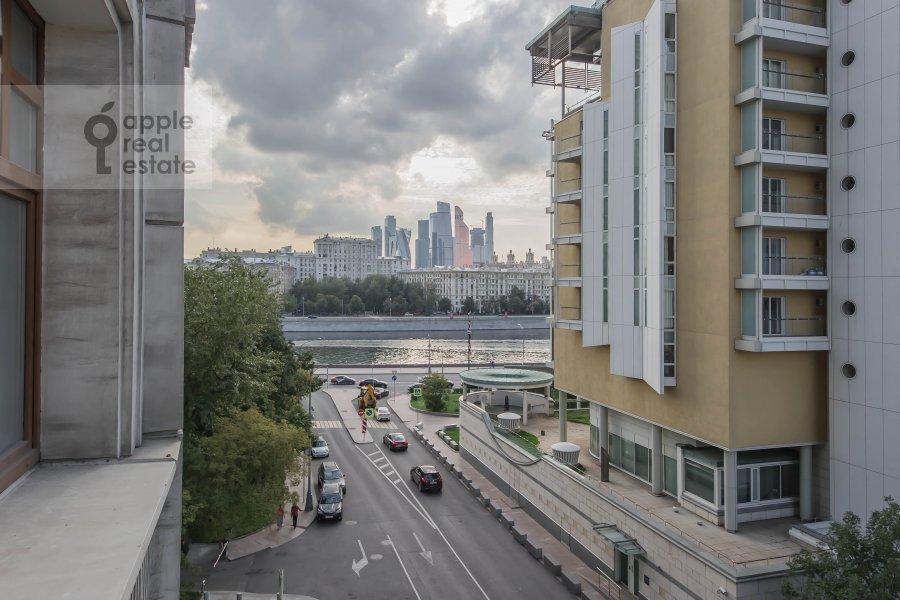 Вид из окна в 5-комнатной квартире по адресу Малый Новопесковский переулок 8