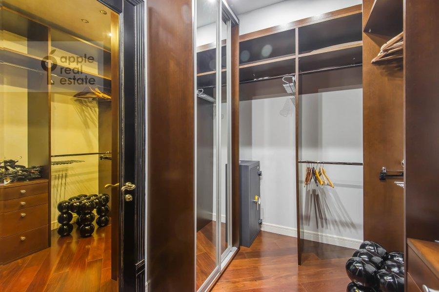 Walk-in closet / Laundry room / Storage room of the 3-room apartment at Ermolaevskiy pereulok 16