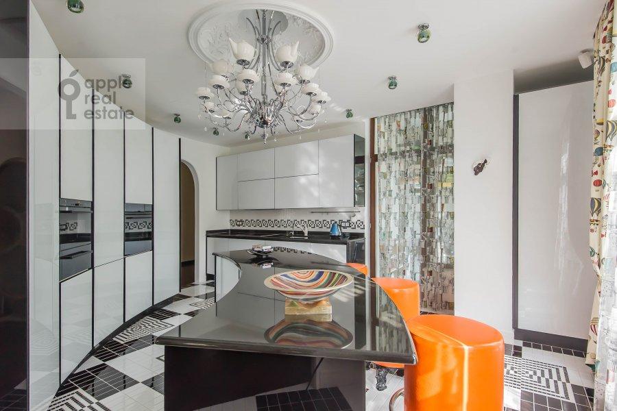 Kitchen of the 3-room apartment at Ermolaevskiy pereulok 16
