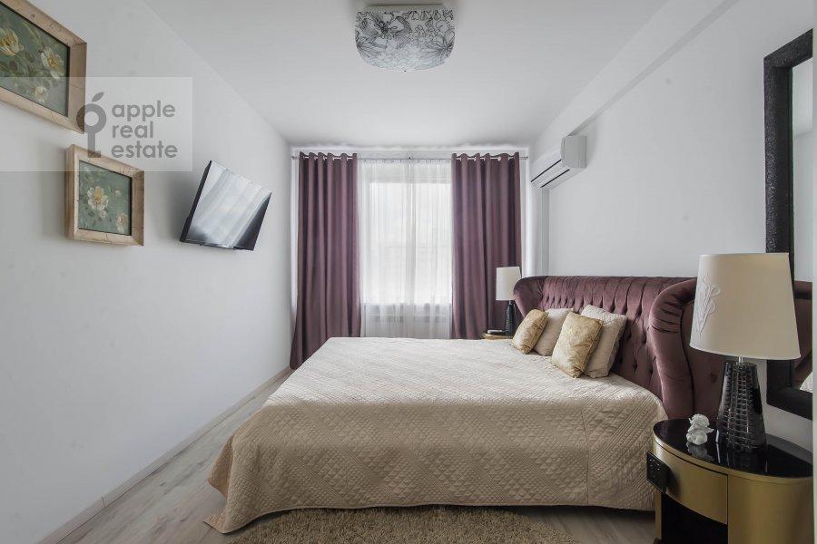Bedroom of the 3-room apartment at Novyy Arbat ul. 16