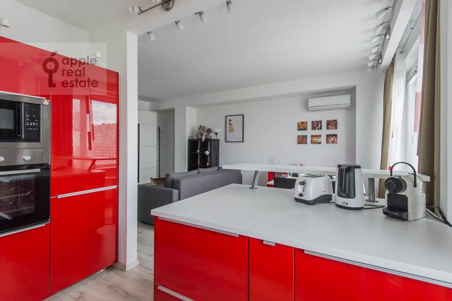 Kitchen of the 3-room apartment at Novyy Arbat ul. 16